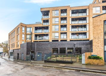 3 bed flat for sale in Station Approach Road, Coulsdon CR5