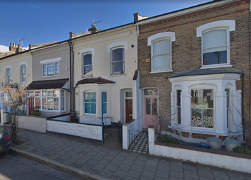Thumbnail 2 bed flat to rent in Dynevor Road, Stoke Newington