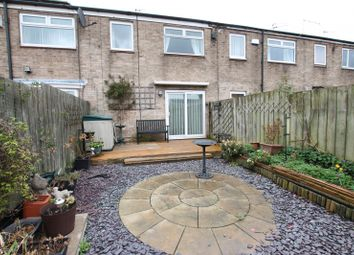 3 bed property to rent in Dalwood Close, Bransholme, Hull HU7