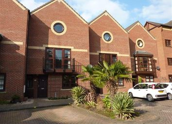 Thumbnail 3 bed town house for sale in Wellowgate Mews, Grimsby
