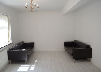 Thumbnail 1 bed flat to rent in Rainham Road, Rainham