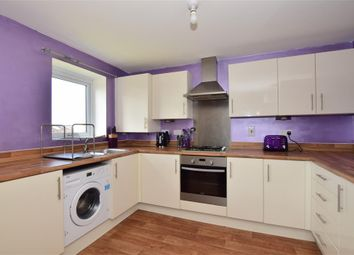 2 bed flat for sale in Blake Avenue, Basildon, Essex SS14
