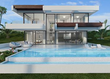 Thumbnail 4 bed villa for sale in Buenas Noches, Estepona, Spain