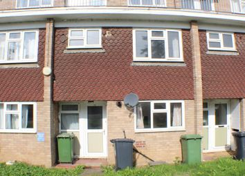 Thumbnail 3 bed maisonette to rent in Essex Close, Bordon