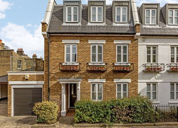 4 bed property to rent in Rush Hill Mews, London SW11