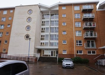 2 bed flat to rent in Penstone Court, Chandlery Way, Cardiff CF10