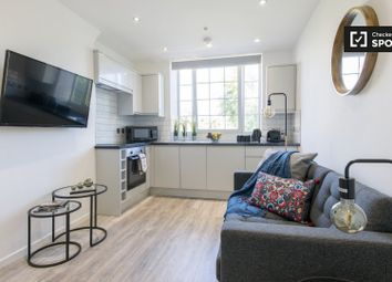 2 bed property to rent in Tabard Street, London SE1
