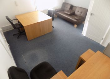 Thumbnail Office to let in Luton, Bedfordshire