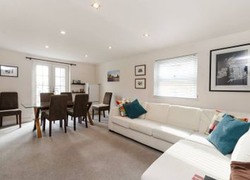 Thumbnail 2 bed flat for sale in Wandsworth Bridge Road, Fulham