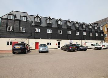 2 bed flat to rent in Brewery Road, Hoddesdon EN11