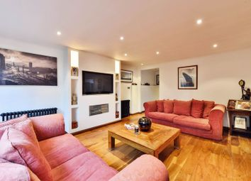 Thumbnail 2 bed flat for sale in Arkwright Road, Hampstead, London