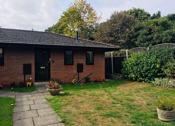 Thumbnail 2 bed property to rent in Wratten Road East, Hitchin
