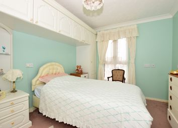Thumbnail 1 bed flat to rent in Queens Parade, Cliftonville, Margate