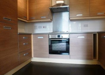 Thumbnail 1 bed flat to rent in Warren Close, Cambridge