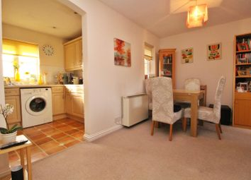 Thumbnail 1 bed flat for sale in Kensington Way, Borehamwood