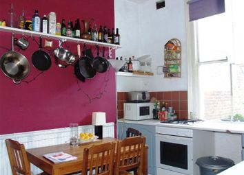 Thumbnail 2 bed flat to rent in Queens Crescent, London