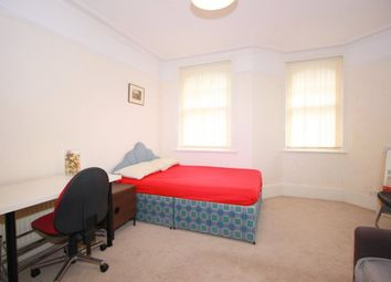 Thumbnail Room to rent in Queen's Club Garden, West Kensington