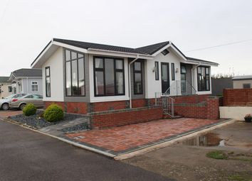 2 bed mobile/park home for sale in Castleton Park, St Athan, Nr Cardiff CF62