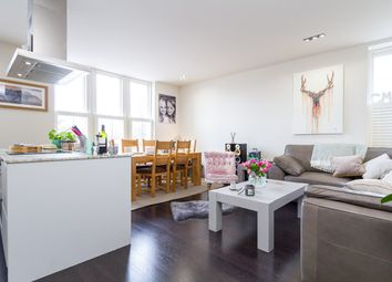 2 bed flat to rent in Waterloo Gardens, Cardiff CF23