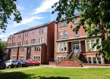 Thumbnail 2 bed flat to rent in Broomfield Crescent, Leeds