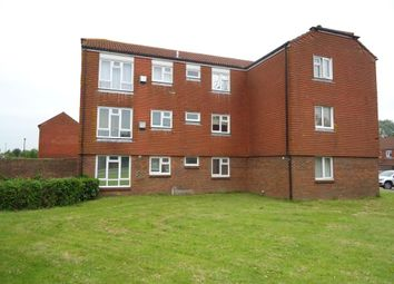 Thumbnail 1 bed flat to rent in Vanbrugh Close, Bewbush, Crawley