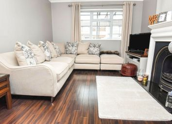 2 bed maisonette for sale in Rush Green Road, Romford RM7