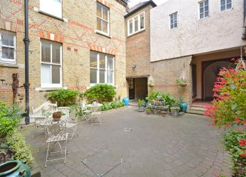 Thumbnail 1 bed flat to rent in Yorkton Street, London