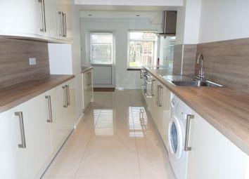 Thumbnail 2 bed property to rent in Thornbush, Laindon, Basildon
