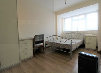 2 bed maisonette to rent in Marshall Close, Hounslow TW4