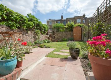 Thumbnail 1 bed flat for sale in Maude Road, London