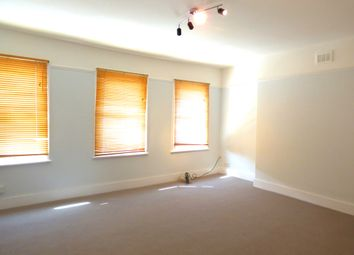 Thumbnail 1 bed flat to rent in Battersea Rise, Battersea/Clapham