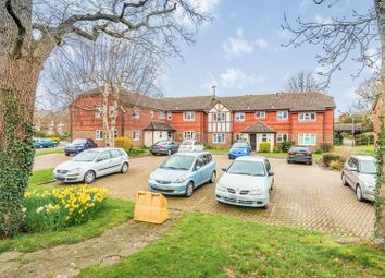 Thumbnail 2 bed flat to rent in Lincolns Mead, Lingfield