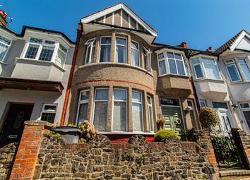 Silverdale Avenue, Westcliff-On-Sea SS0. 3 bed terraced house