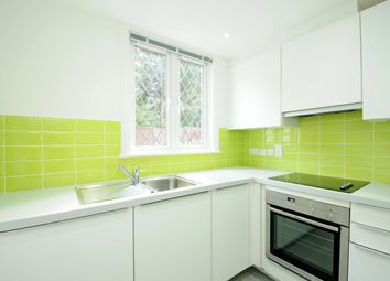 Thumbnail 2 bed flat to rent in Thames Street, Reading