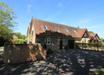 4 bed barn conversion for sale in Park Road, Tring, Hertfordshire HP23