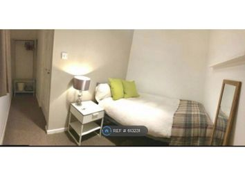 Thumbnail Room to rent in Greenwood Court, Crawley