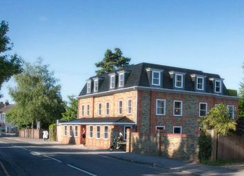 Station Road, Bourne End, Buckinghamshire SL8. 1 bed flat