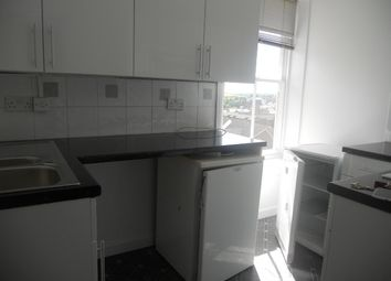 Thumbnail 2 bedroom triplex to rent in Searle Street, Crediton
