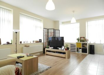 Thumbnail 1 bed flat to rent in Queensway, Crawley