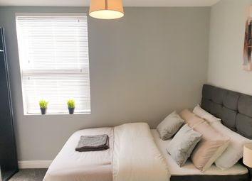 Room to rent in Goldenhill Road, Fenton, Stoke-On-Trent ST4