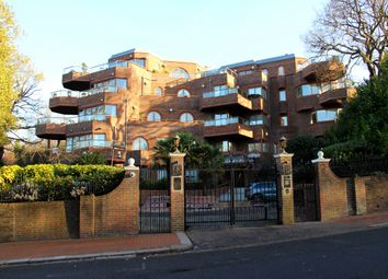 Thumbnail 5 bedroom flat for sale in Templewood Avenue, Hampstead, London
