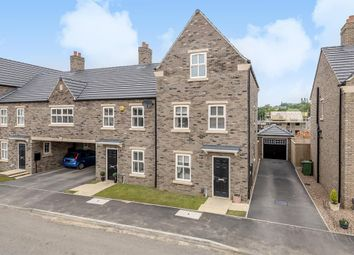 Thumbnail 3 bed town house for sale in Dyehouse Walk, Yeadon, Leeds