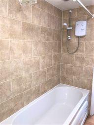 2 bed flat to rent in Newport Road, Caldicot NP26