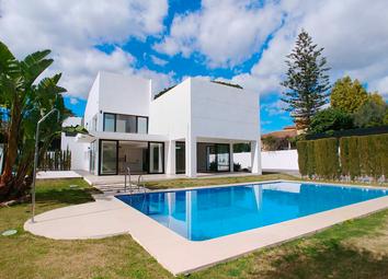 Thumbnail Villa for sale in San Pedro De Alcantara, Málaga, Spain - 29670