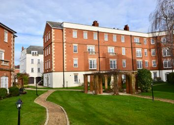 Anne Boleyn House, Queens Reach, East Molesey KT8. 2 bed flat for sale