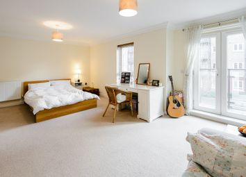 Thumbnail Room to rent in Tadros Court, High Wycombe, Buckinghamshire