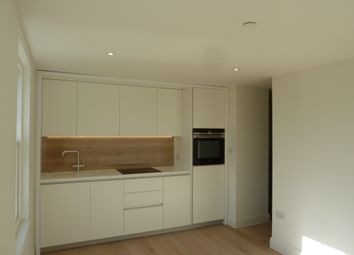 Thumbnail Studio to rent in King George's Walk, Esher