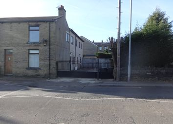 Thumbnail 6 bed flat to rent in Knowles Hill Road, Dewsbury