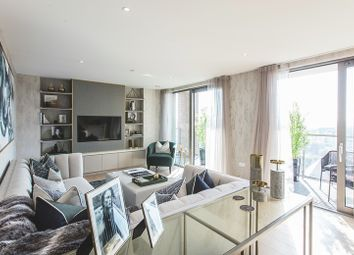 2 bed flat for sale in Limeharbour, Isle Of Dogs, London E14