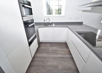 Thumbnail 2 bed flat to rent in Chandos Way, Hampstead Garden Suburb